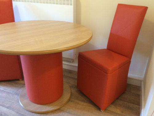 Superbe Pedestal Table And Chair Pedestal Table And Chair